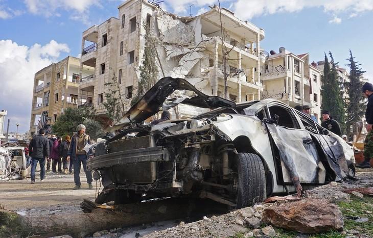 Rusia menekankan perlu menetralisir para anasir teroris di kota Idlib, Suriah - ảnh 1