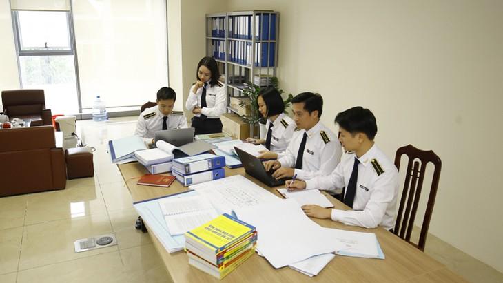 Anggota Harian Sekrerariat KS PKV, Tran Quoc Vuong melakukan temu kerja dengan Badan Pemeriksaan Keuangan Negara - ảnh 1