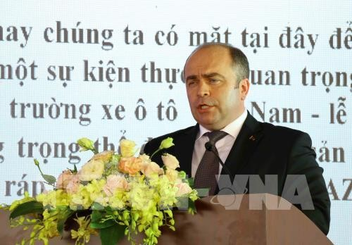 Deputi PM Republik Belarus menghadiri acara peresmian pabrik mobil Maz Asia - ảnh 1