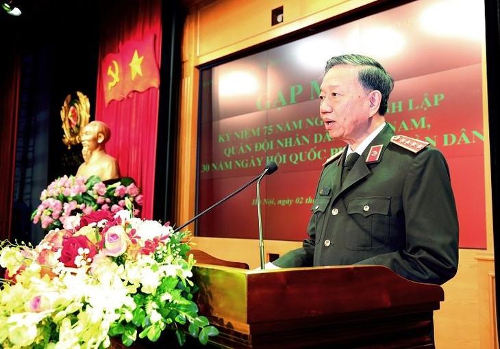 Menteri To Lam menerima Deputi Menteri Dalam Negeri Australia - ảnh 1