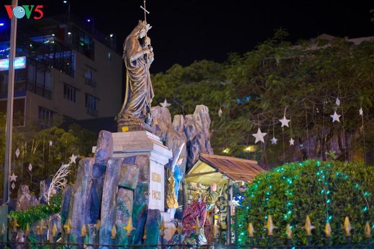 Suasana Hari Natal di Kota Hanoi - ảnh 7