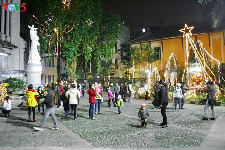 Suasana Hari Natal di Kota Hanoi - ảnh 8