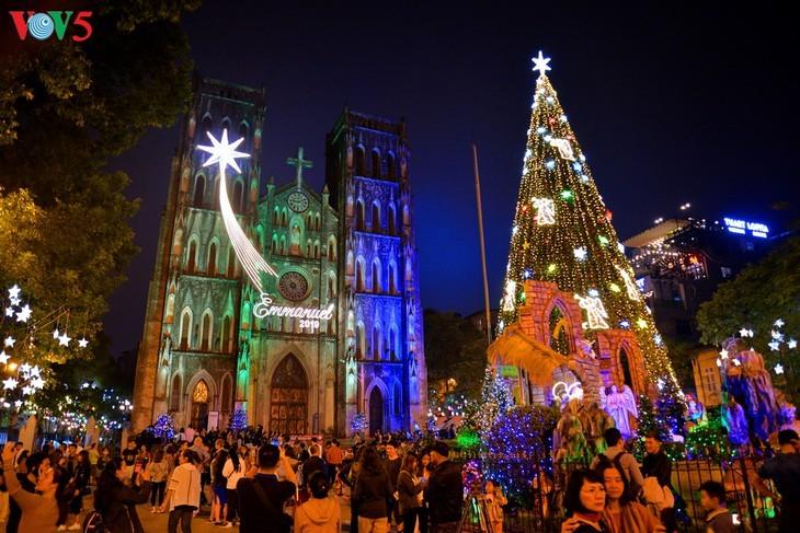 Suasana Hari Natal di Kota Hanoi - ảnh 9