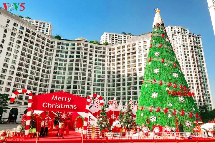Suasana Hari Natal di Kota Hanoi - ảnh 1