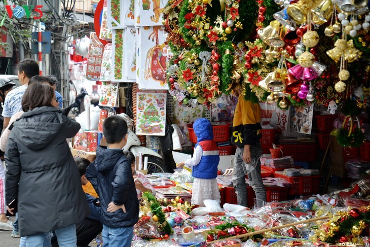 Suasana Hari Natal di Kota Hanoi - ảnh 11