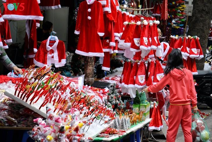 Suasana Hari Natal di Kota Hanoi - ảnh 12