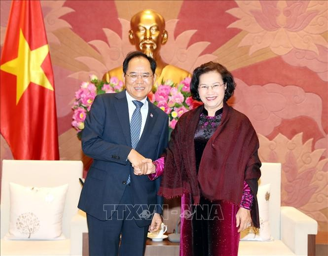 Ketua MN Vietnam, Nguyen Thi Kim Ngan menerima Dubes Australia dan Dubes Republik Korea - ảnh 1