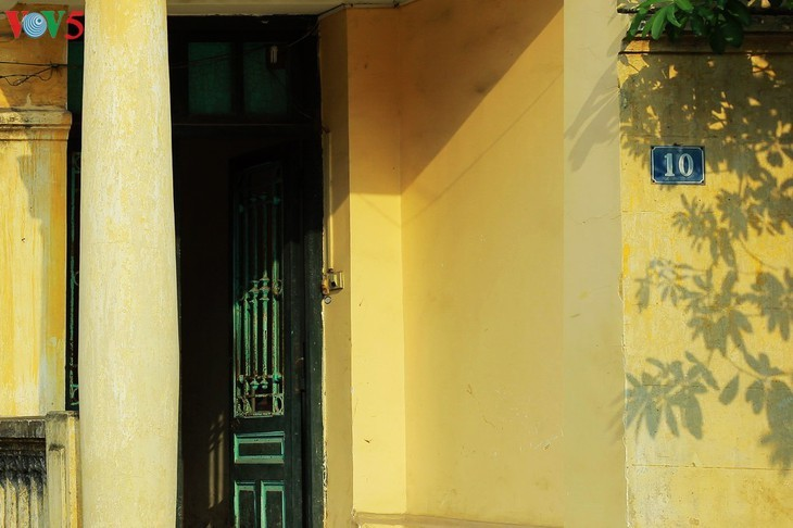 Keindahan arsitektur vila kuno Stasiun siaran Bach Mai - ảnh 3