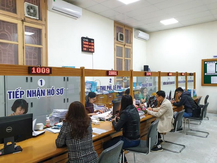 Memperhebat reformasi prosedur administrasi untuk menciptakan syarat yang kondusif bagi produksi - ảnh 1