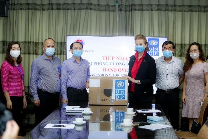 UNDP membantu Vietnam dalam menanggulangi Covid-19 - ảnh 1