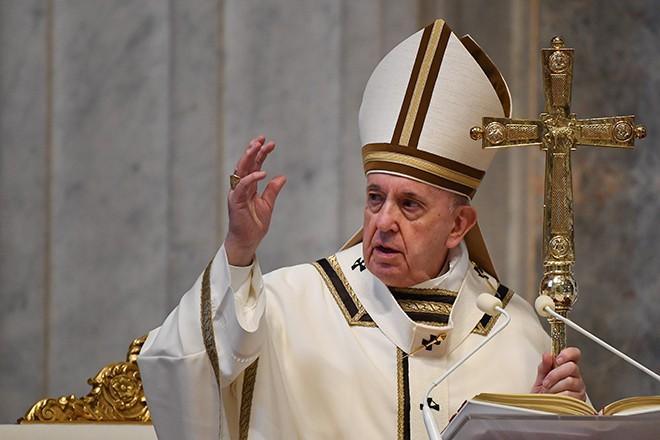 Paus Fransiskus berseru supaya melindungi perempuan yang menderita kekerasan selama blokir karena wabah Covid-19 - ảnh 1