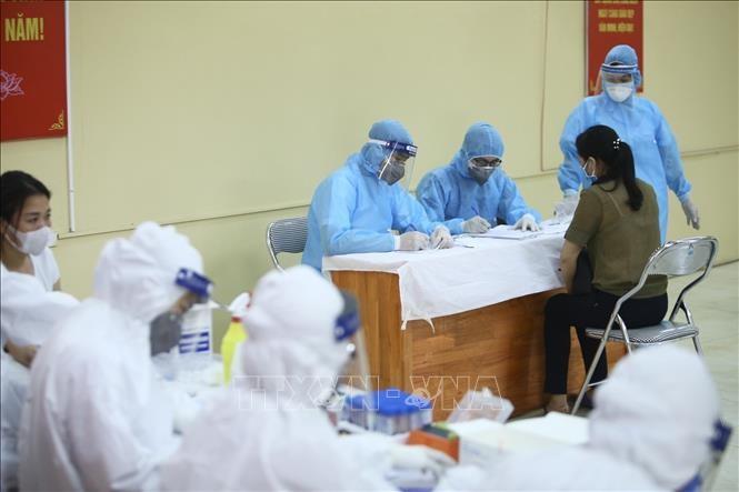 Vietnam terus tidak lagi mencatat kasus positif Covid-19 - ảnh 1