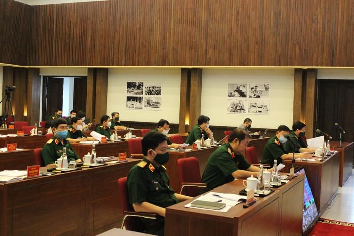 Kementerian Pertahanan Vietnam menilai hasil pekerjaan melawan wabah Covid-19 - ảnh 1