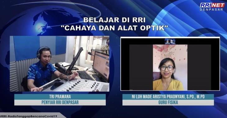 "Kelas ""on air"" yang dilakukan Radio Republik Indonesia pada masa Covid-19 - ảnh 1"