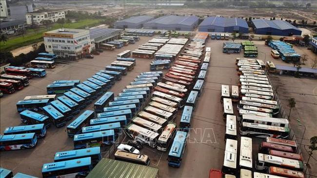 Dari hari Jumat (8/5) pukul 0.00, pengangkutan penumpang dalam negeri kembali beraktivitas secara normal - ảnh 1