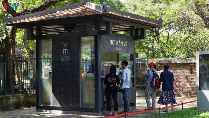 Situs-situs peninggalan sejarah di Kota Hanoi pada hari pertama dibuka kembali - ảnh 2