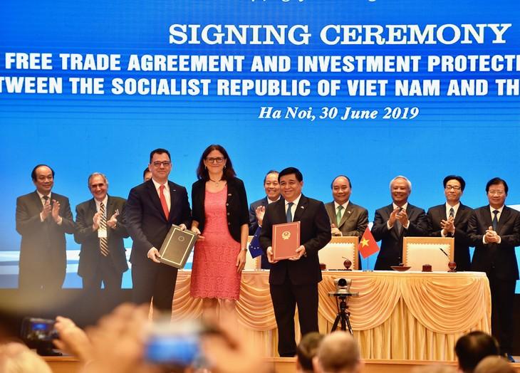 EVIPA menjadi motivasi bagi Vietnam untuk terus memperbaiki lingkungan investasi, meningkatkan rantai nilai pertambahan hasil pertanian Vietnam - ảnh 1