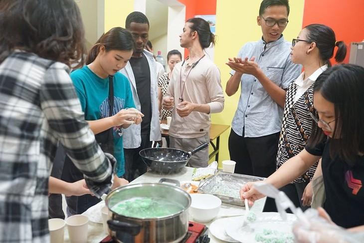 Kue Klepon – aroma yang manis dari negeri puluhan ribu pulau - ảnh 2
