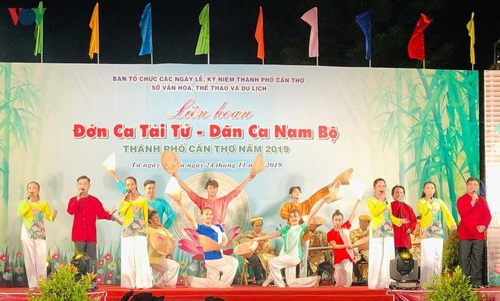 Tiga Pusaka Non-Benda yang Diakui UNESCO Berskala Paling Besar di Vietnam - ảnh 3