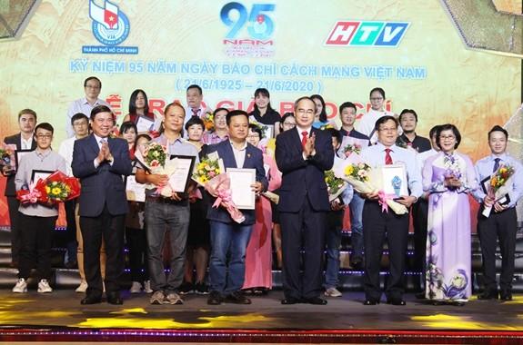 Aktivitas-aktivitas memperingati ultah ke-95 Hari Pers Revolusioner Vietnam (21/6/1925 – 21/6/2020) - ảnh 1