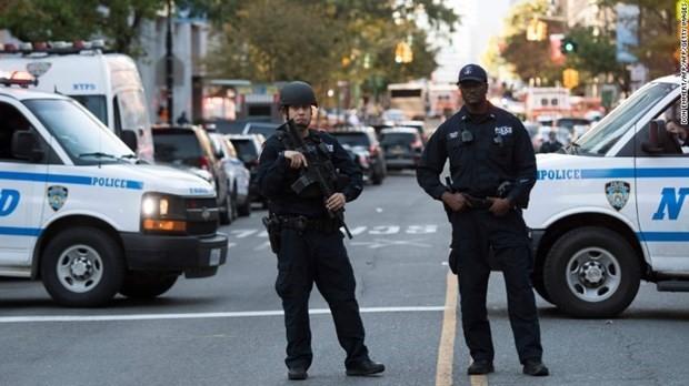 Serentetan tembakan terjadi pada Hari Nasional AS sehingga menimbulkan banyak korban - ảnh 1