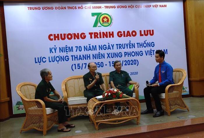 Sarasehan peringatan ultah ke-70 Hari Tradisi Pasukan Pemuda Penggempur Vietnam - ảnh 1