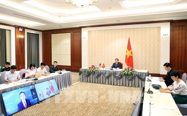 Bekerjasama untuk mengatasi akibat perang – fondasi untuk proses normalisasi hubungan Vietnam-AS - ảnh 1