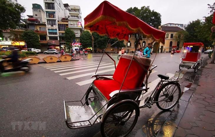 Lebih dari 30 tujuan wisata dan hotel di Kota Hanoi ikut serta dalam stimulasi wisata - ảnh 1