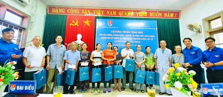 Perjalanan pulang ke asal-usul dan aktivitas-aktivitas ungkapan terima kasih di Provinsi Quang Tri - ảnh 1