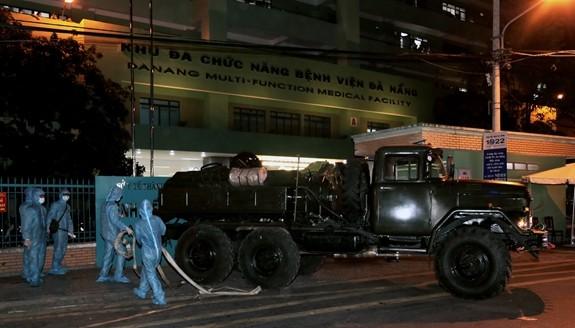 Vietnam berupaya keras mengendalikan wabah Covid-19 - ảnh 1