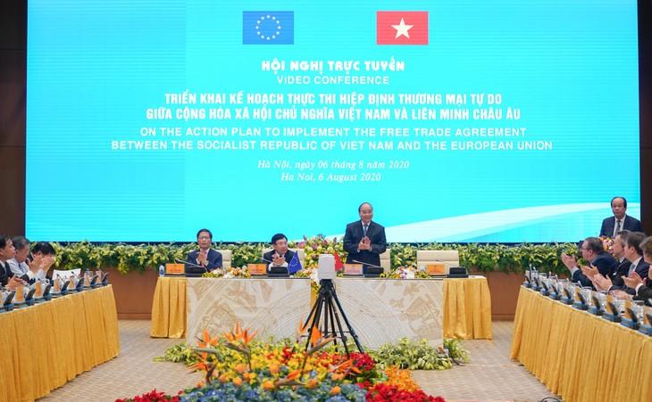 PM Vietnam, Nguyen Xuan Phuc memimpin konferensi nasional secara virtual tentang penggelaran EVFTA - ảnh 1