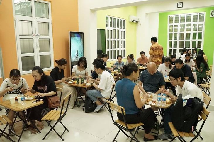 Umah Indo – Menyosialisasikan kebudayaan Indonesia di Vietnam - ảnh 3