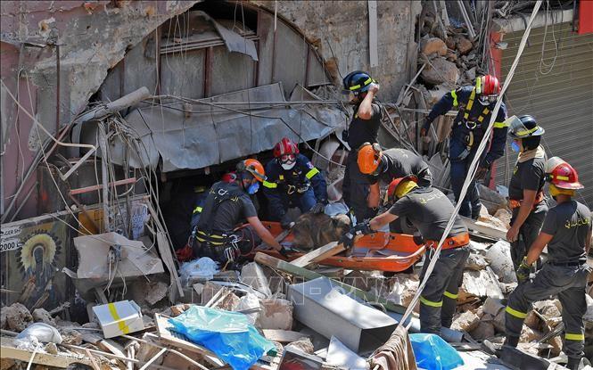 Ledakan di Beirut: Komunitas internasional memberikan bantuan kepada Libanon - ảnh 1