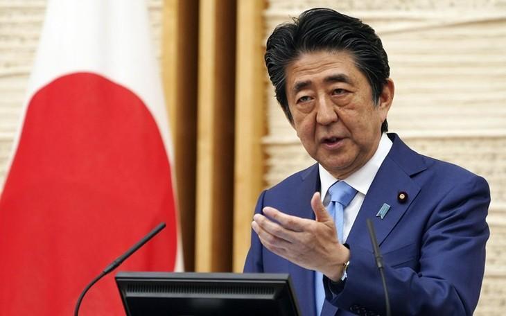 Vietnam menilai tinggi semua sumbangan yang diberikan PM Jepang, Abe Shinzo terhadap perkembangan hubungan Vietnam-Jepang - ảnh 1