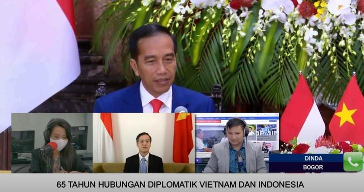 Dialog Radio Interaktif Memperingati HUT ke-65 Penggalangan Hubungan Diplomatik Vietnam-Indonesia - ảnh 1