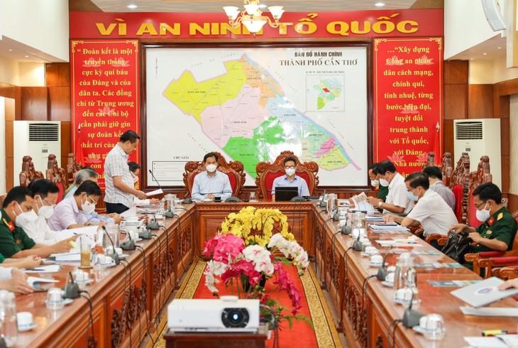 Deputi PM Vu Duc Dam Periksa Pencegahan dan Pengendalian Wabah di Kota Can Tho dan Provinsi Tra Vinh - ảnh 1