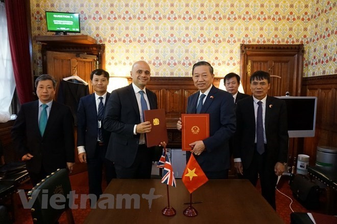 Vietnam to cooperate with UK in combating human trafficking - ảnh 1