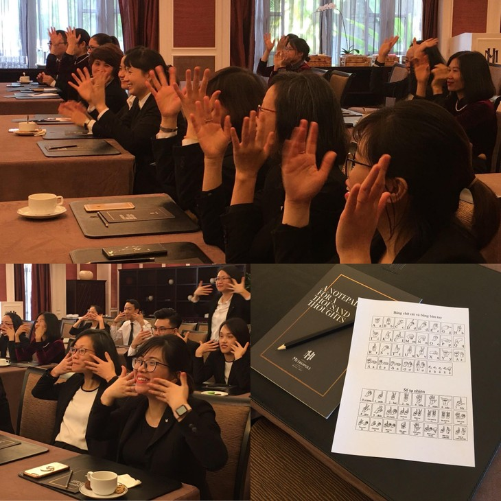 Learn sign language with silent tour   - ảnh 5