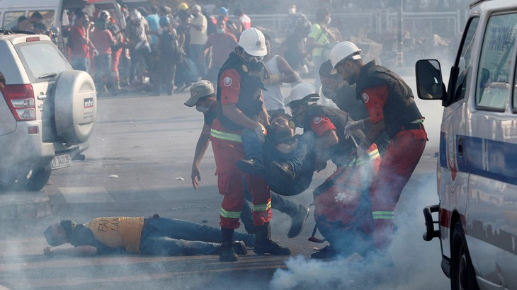 238 people injured in Beirut protests  - ảnh 1