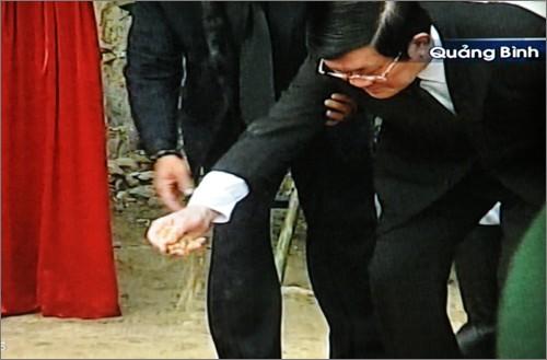Вo Вьетнаме состоялись церемонии прощания с генералом армии Во Нгуен Зяпом - ảnh 32