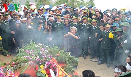 Вo Вьетнаме состоялись церемонии прощания с генералом армии Во Нгуен Зяпом - ảnh 36