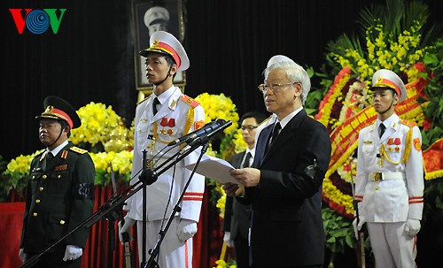 Вo Вьетнаме состоялись церемонии прощания с генералом армии Во Нгуен Зяпом - ảnh 2