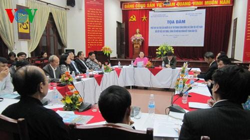 Развитие роли авторитетных людей среди сообщества вьетнамских национальностей - ảnh 1