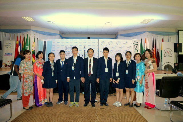 Вьетнам занял 3-е место на естественнонаучной олимпиаде юниоров (IJSO) - ảnh 1