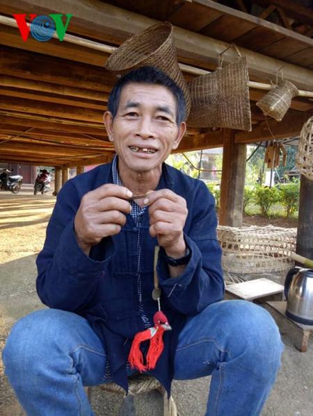 Губной музыкальный инструмент помогает юношам народности Кхому выразить свои чувства любимым девушкам - ảnh 2