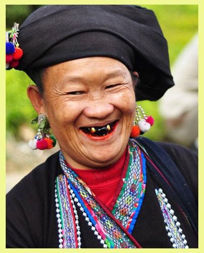 Традиционная женская одежда народности Лы в провинции Лайтяу - ảnh 1