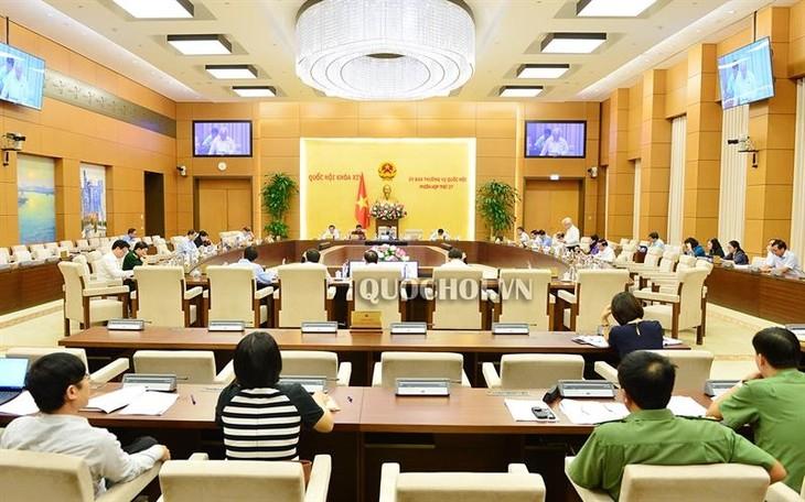 Постоянный комитет вьетнамского парламента предложил расширить права и повысить ответственность молодежи - ảnh 1