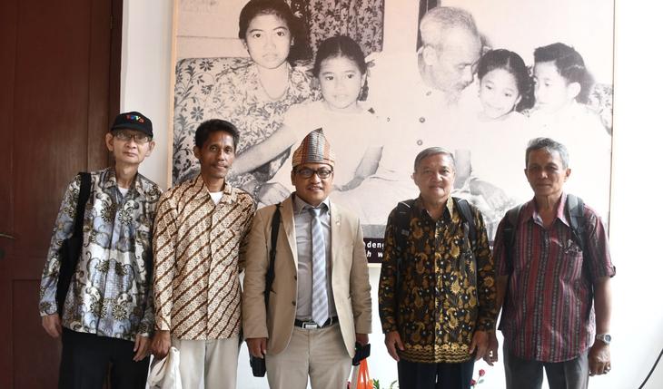 Награждены победители викторин об отношениях между Вьетнамом и Индонезией - ảnh 16