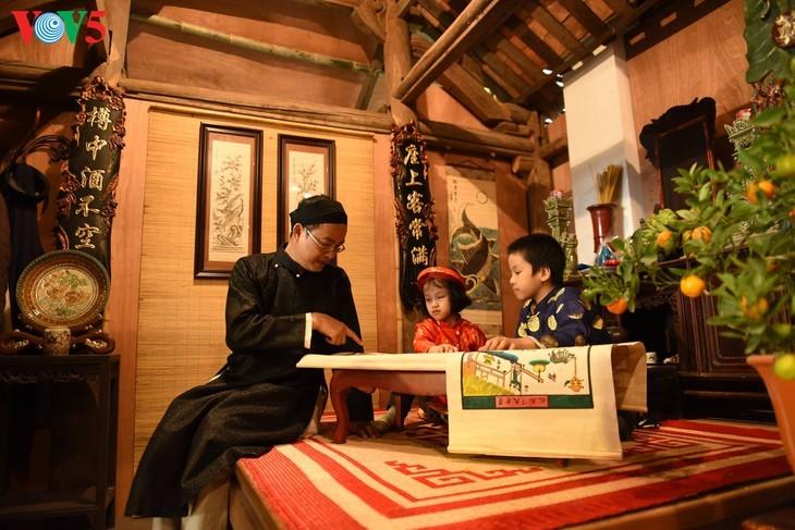 """Мужчины во вьетнамском традиционном платье """"аозай"""" - усиление праздничной атмосферы - ảnh 8"""