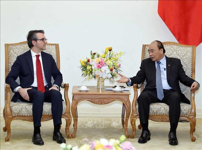 Премьер-министр Вьетнама Нгуен Суан Фук принял посла Евросоюза во Вьетнаме Пьера Джорджо Алиберта - ảnh 1